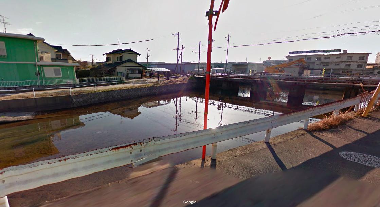 岡山県 川釣りポイント 高梁川水系 水路 住宅街